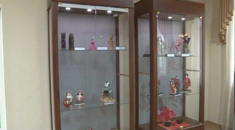 Открыта выставка традиционных японских кукол